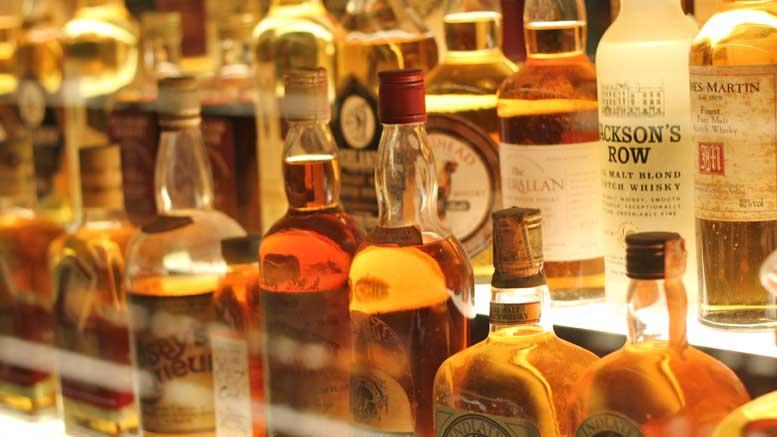 ein-volles-whiskyregal