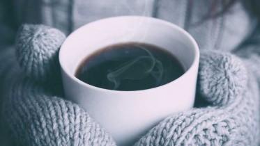 heisse-tasse-im-winter